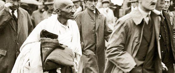 Gandhi dan Pengendalian Diri